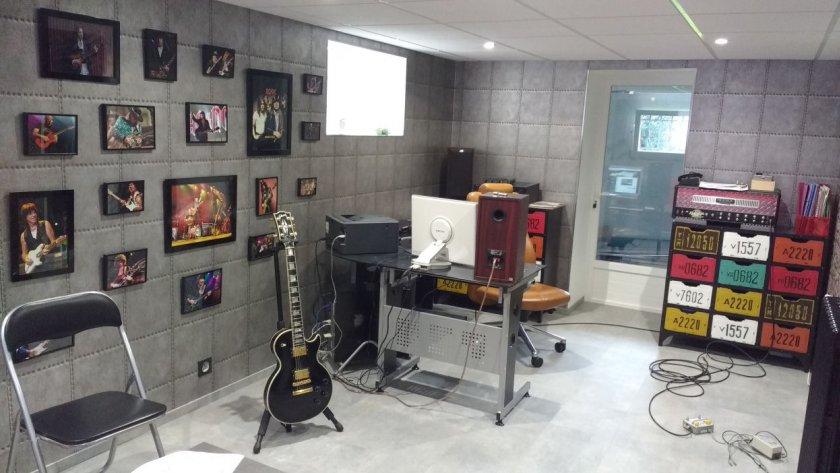Deuxième vue de ma salle de cours de guitare à Houilles