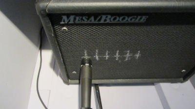 Le micro SM57 décaler par rapport au centre du HP position 6
